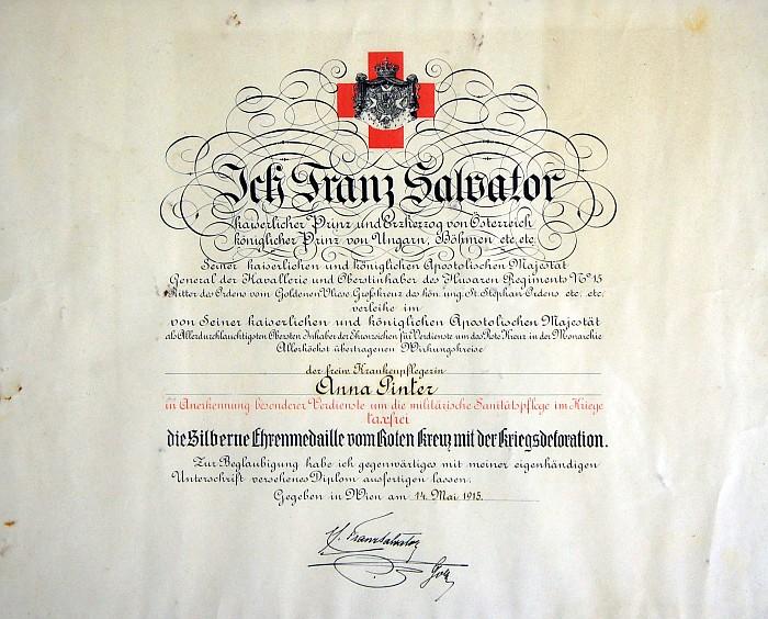 Urkunde zur Verleihung der Sibernen Ehrenmedaille an Anna Pinter 1915
