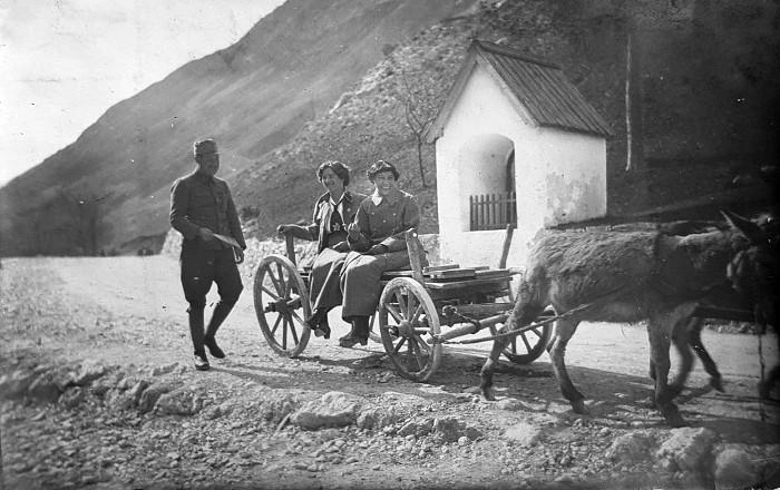Frontschwester Anny Pinter und ihre Kameradin Hansi Michaelis im Ersten Weltkrieg