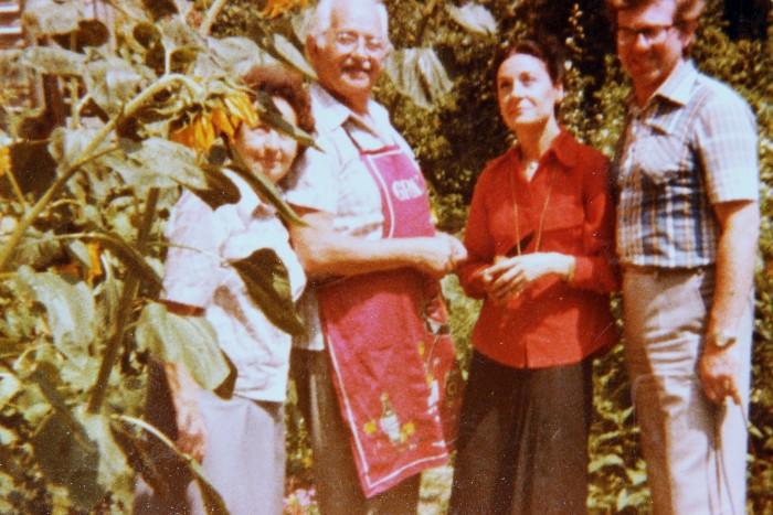 Franz und Brunhilde Babitsch mit Ehepaar Ford 1970er