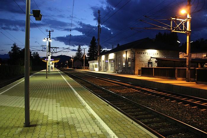 Bahnhof Krumpendorf Dämmerung 2017