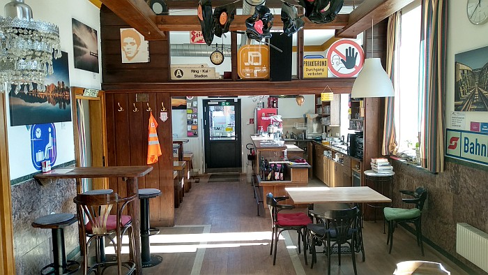 "Bahnhof-Café ""Zur Dampflok"""