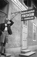 Friseur Fritz Eichholzer an der Hauptstraße 1930er Jahre