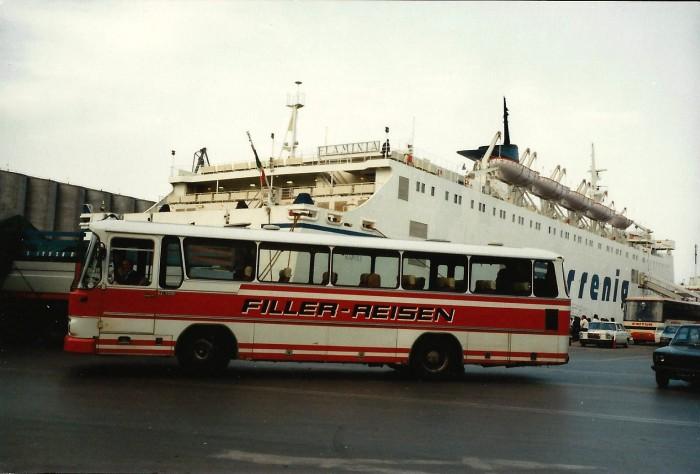 Bus Filler Reisen mit Fähre Flaminia der Reederei Tirrenia in Italien