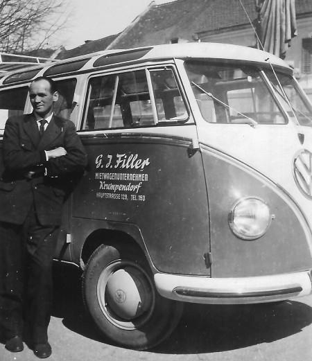 Gottfried Filler mit VW-Bus 1959