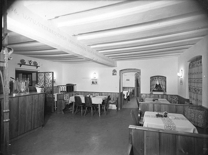 Gasthof Koch Gastraum mit Stammtisch