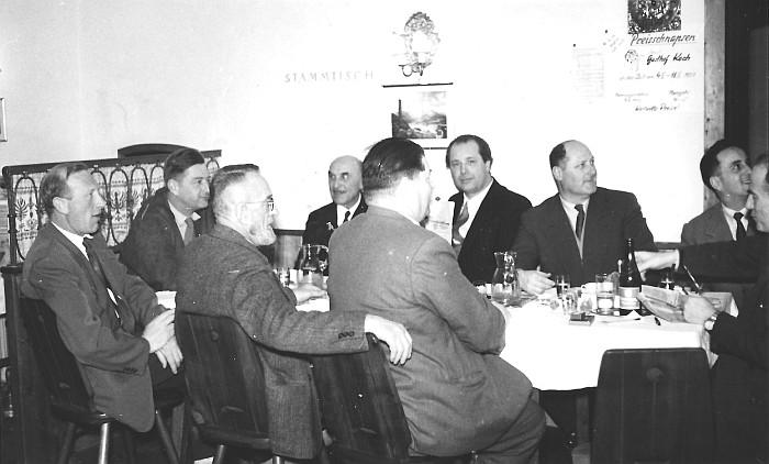 Stammtischrunde im Gasthof Koch 1957