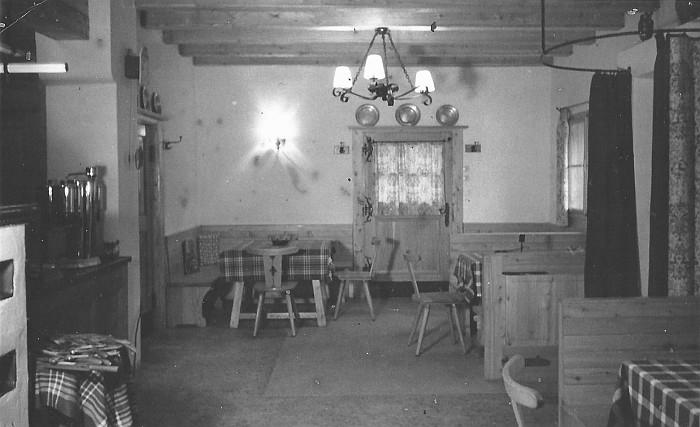 Kerzenstube Innenansicht ca. 1950