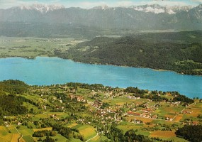 Ortsansicht mit Karawankenblick 1970