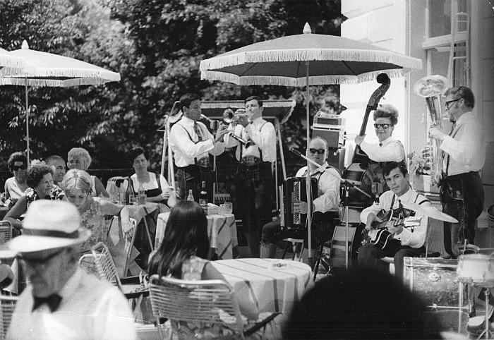 Frühschoppen in der Parkvilla 1971