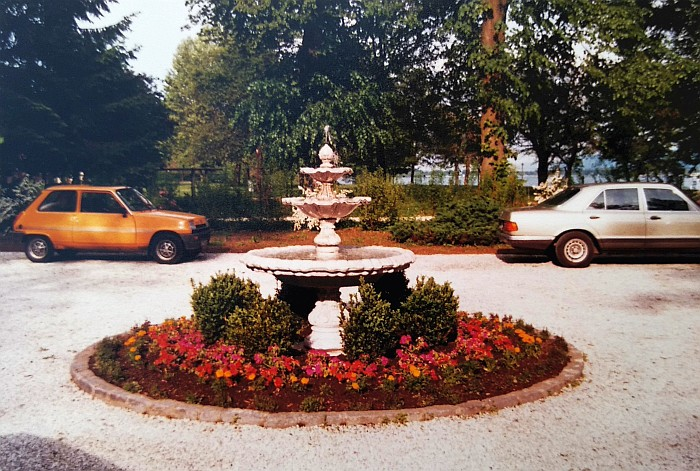 Parkvilla Rondeau mit Springbrunnen 1987