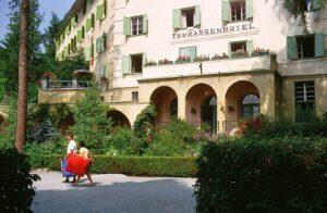 Terrassenhotel Seitenansicht ca. 1963